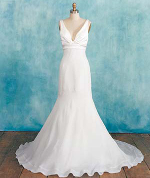 Wedding dress for straight-lined women
