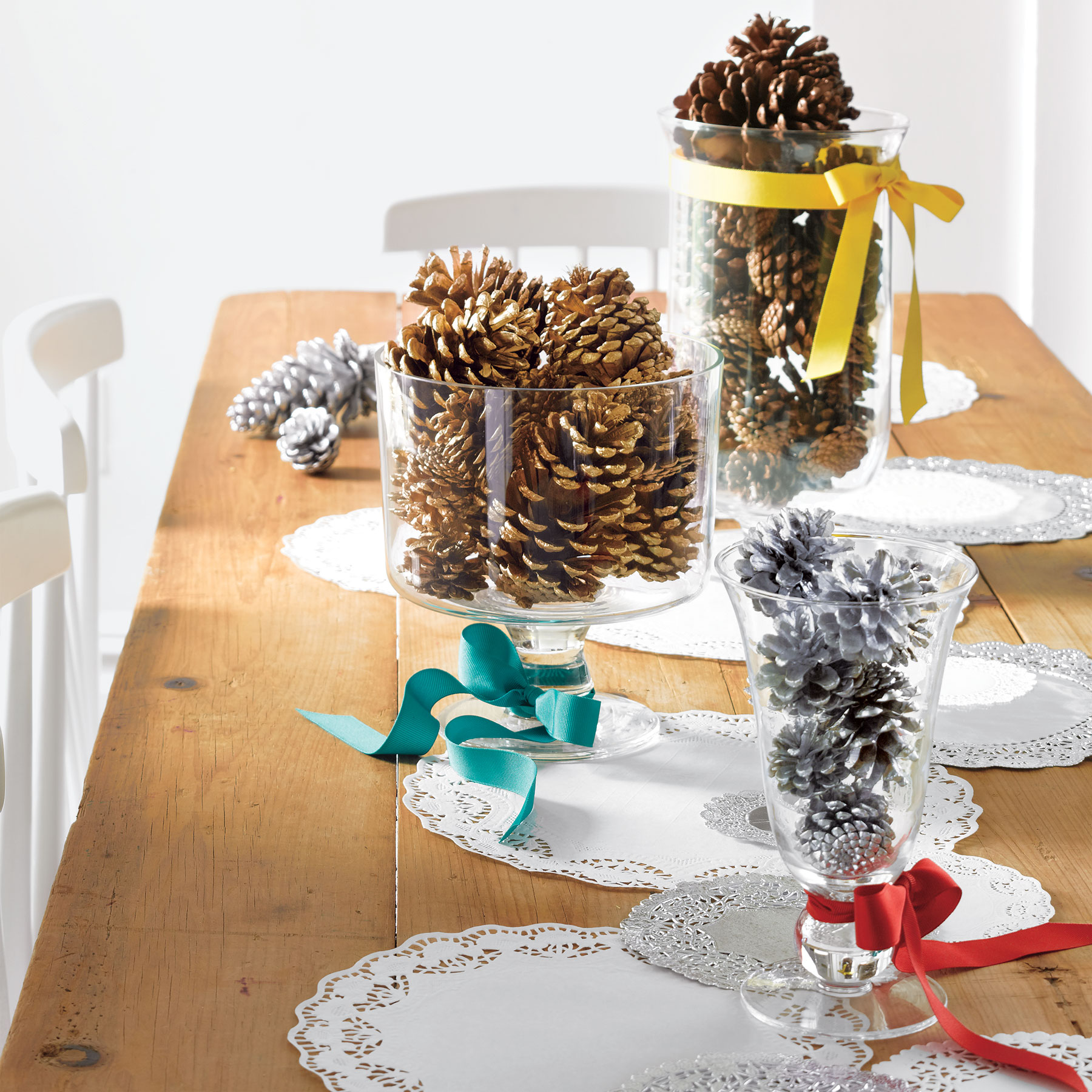 Pinecone Holiday Centerpiece