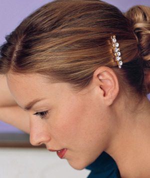 Woman wearing a sparkly barrette