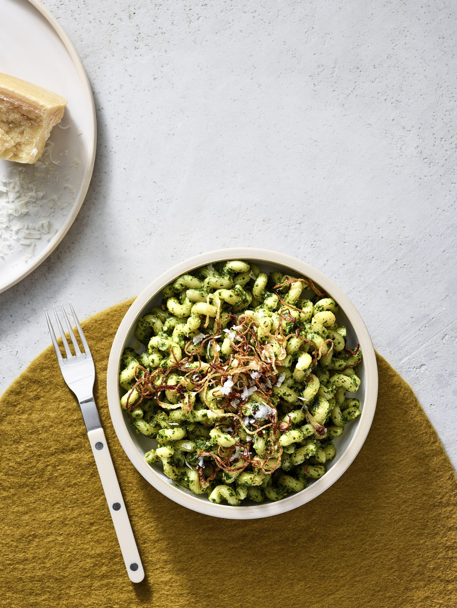 Pasta With Parsley-Almond Pesto and Fried Onions