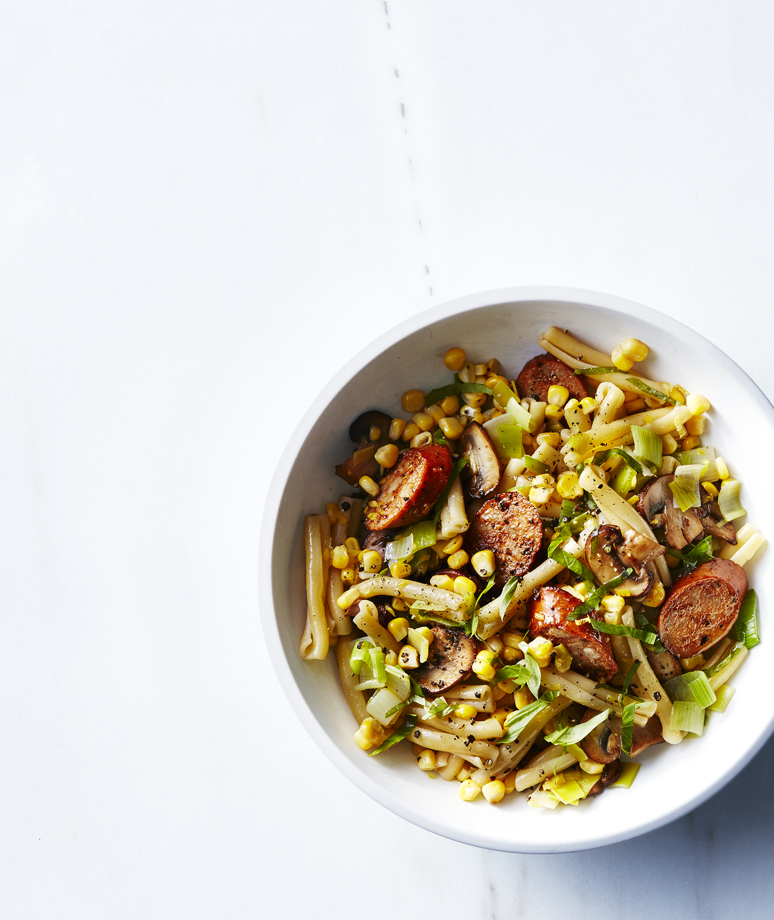 Pasta With Chicken Sausage, Corn, Leeks, and Mushrooms