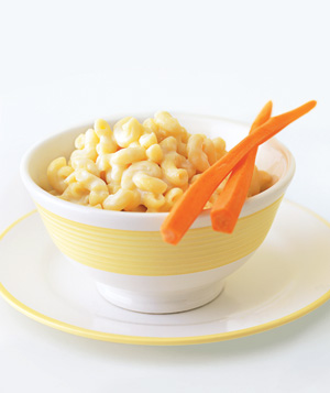 Carrot chopsticks with mac 'n' cheese