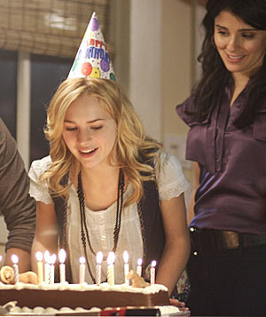 """""""Life Unexpected"""" still"""