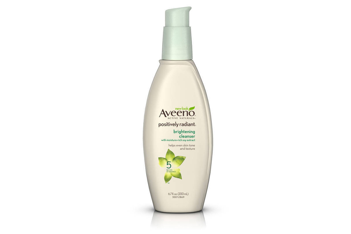 Aveeno's Positively Radiant Makeup Removing Clean