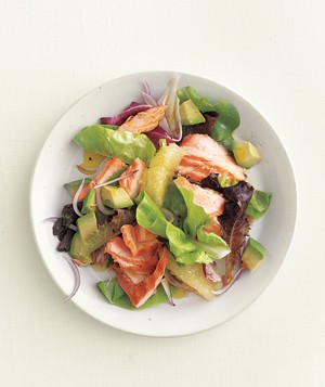 Grilled salmon salad with grapefruit