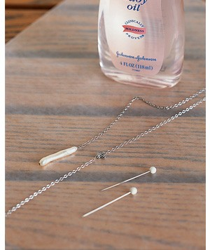 Baby oil used to untagle necklace