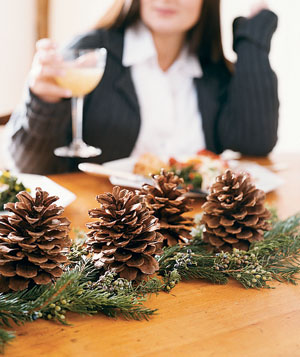 Christmas decoration ideas - Pinecone centerpiece