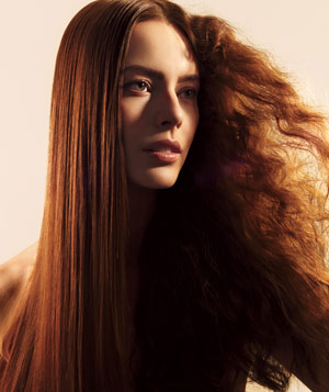 Model with straight and frizzy hair