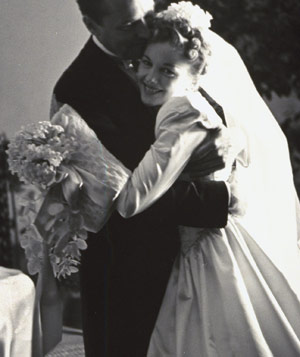 Brian Aherne and Joan Fontaine on their wedding day