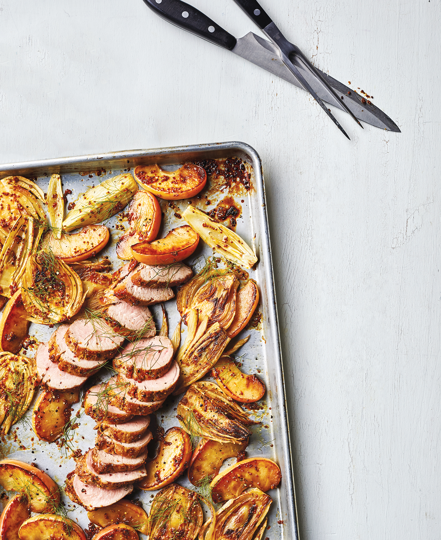 Sheet Pan Pork With Fennel and Apples