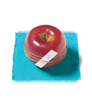 Apple as place card