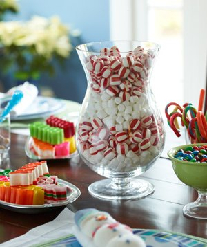 Christmas decoration ideas -Christmas candy on a table