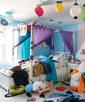Caitie Buteau's bedroom before makeover