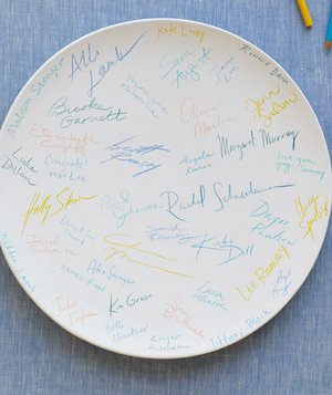 Personalized plate as guest book