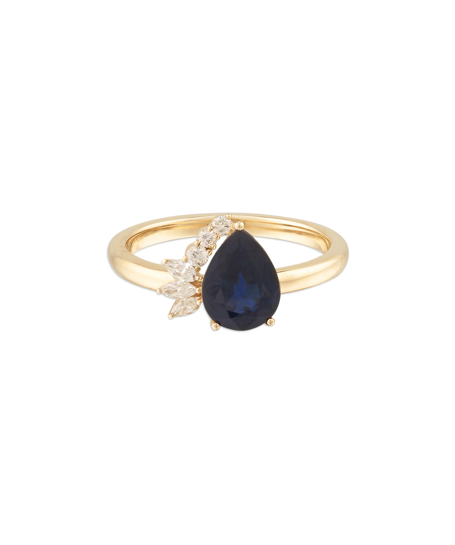mejuri-pear-cut-sapphire-engagnement-ring