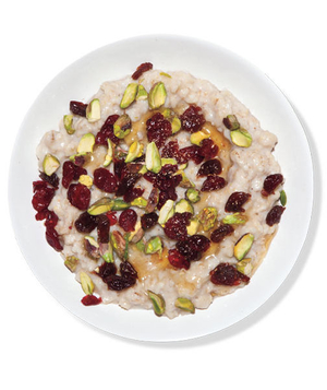 Oatmeal With Dried Fruit and Pistachios