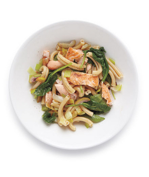 Pasta With Salmon, Spinach, and Olives