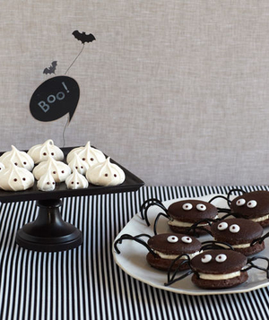 Spider and ghost desserts