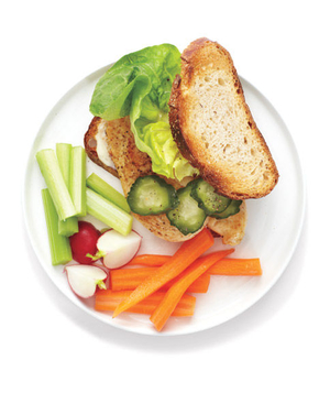Spicy Chicken and Ranch Sandwich With Crudites