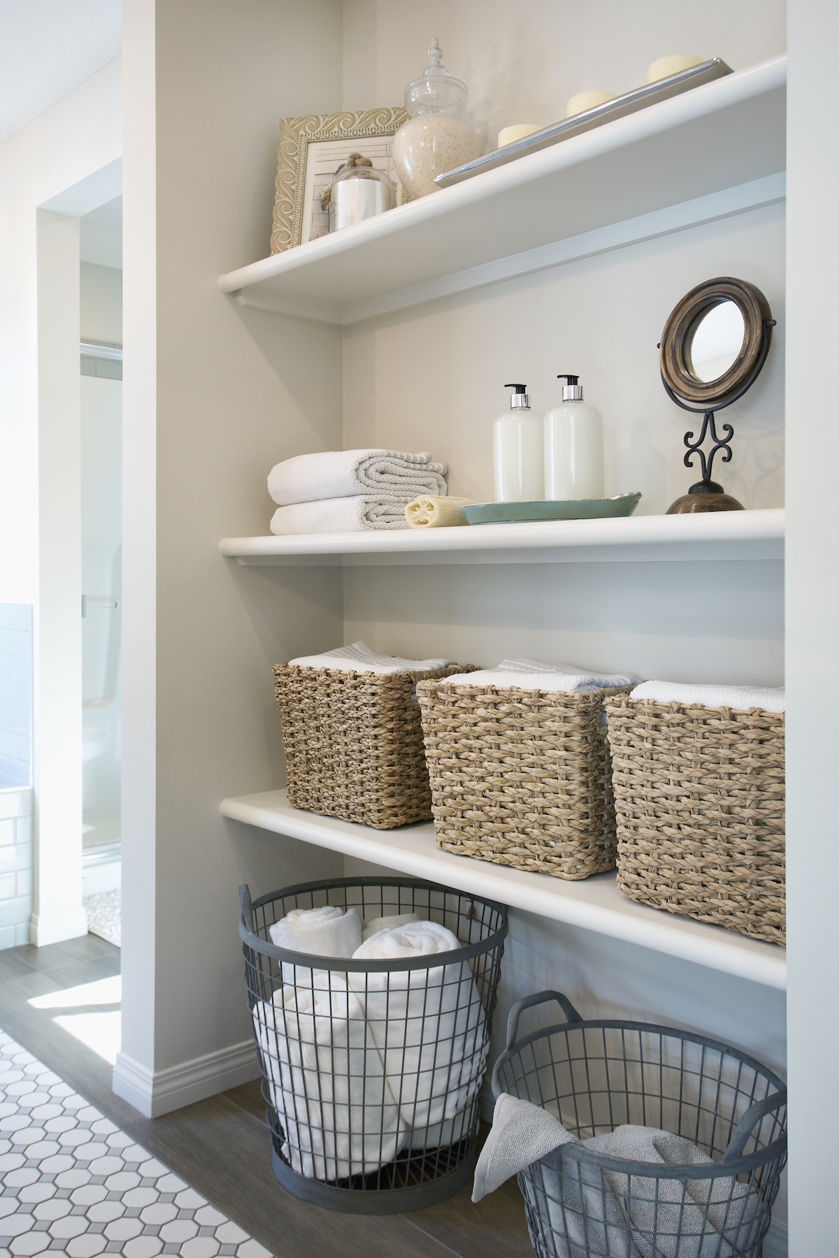 How clean bathroom hand towels, organized linen closet