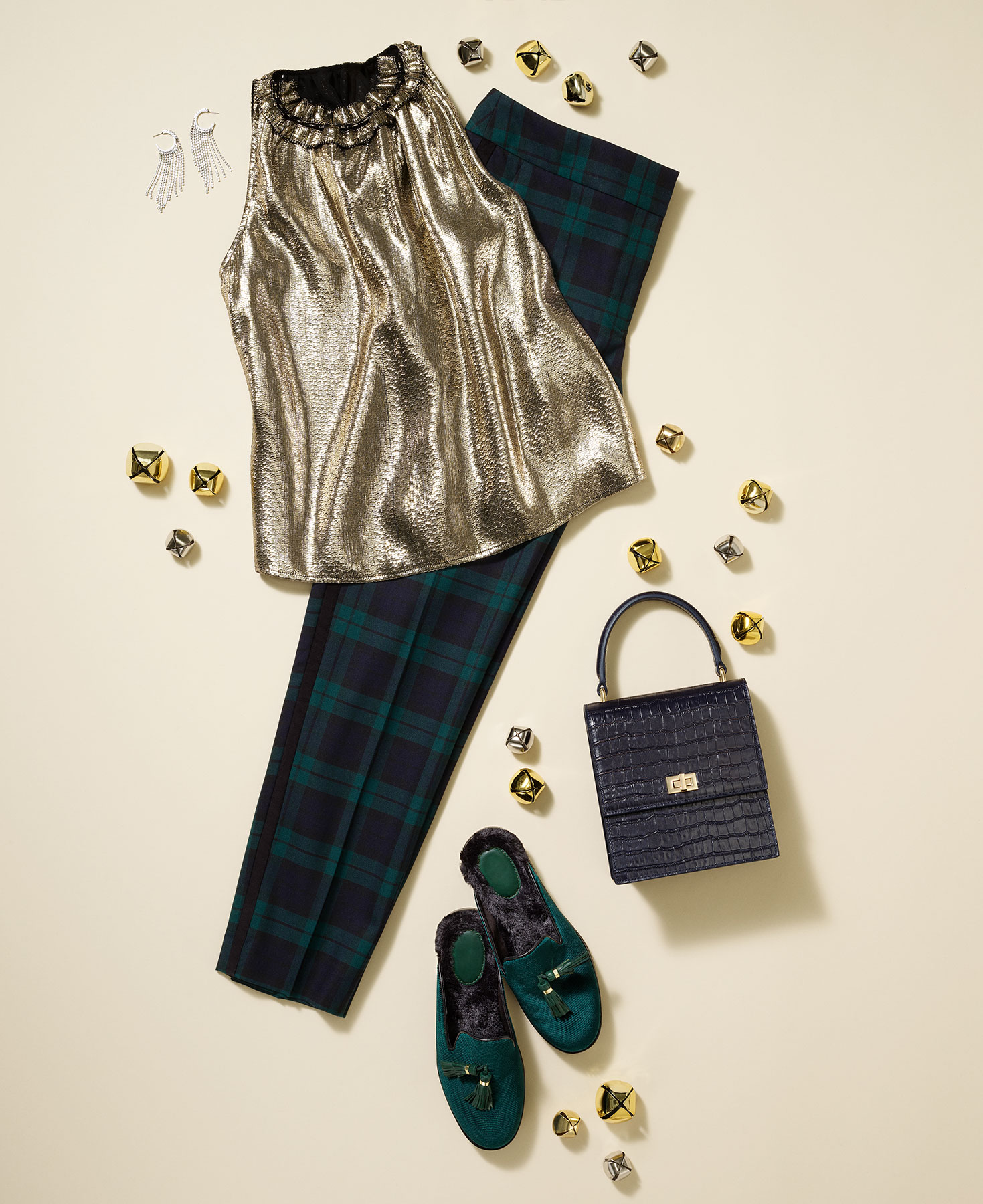 Christmas Party Outfits: Plaid Chic