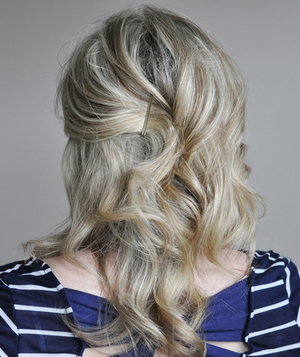 Cute ponytail hairstyle step 1