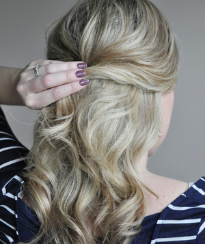 Cute ponytail hairstyle step 2