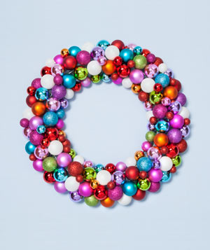 Wreath made of ball ornaments
