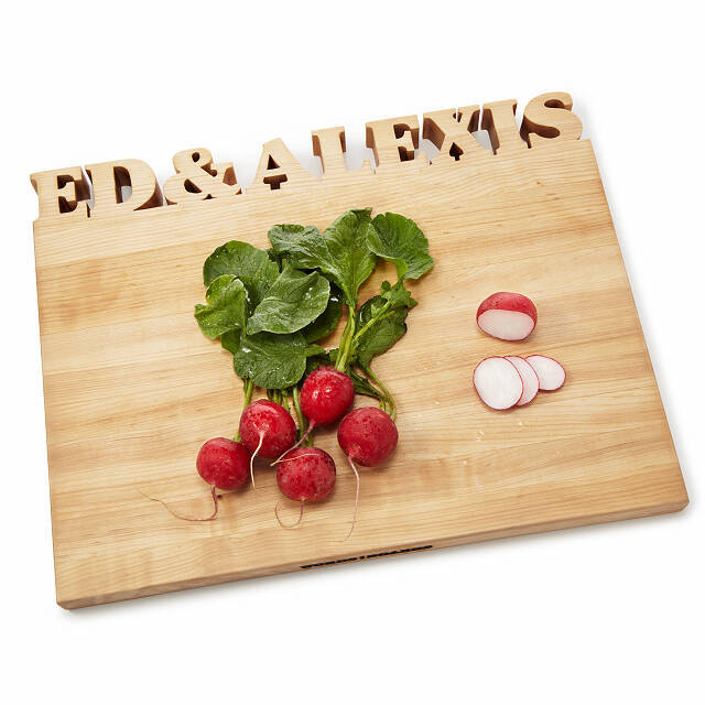 Gifts for Foodies: Personalized Wood Cutting Board