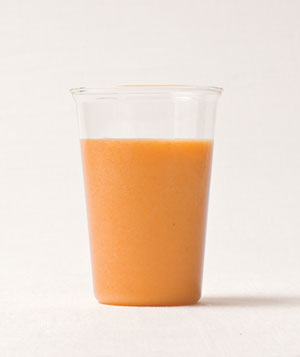 Carrot-pineapple smoothie