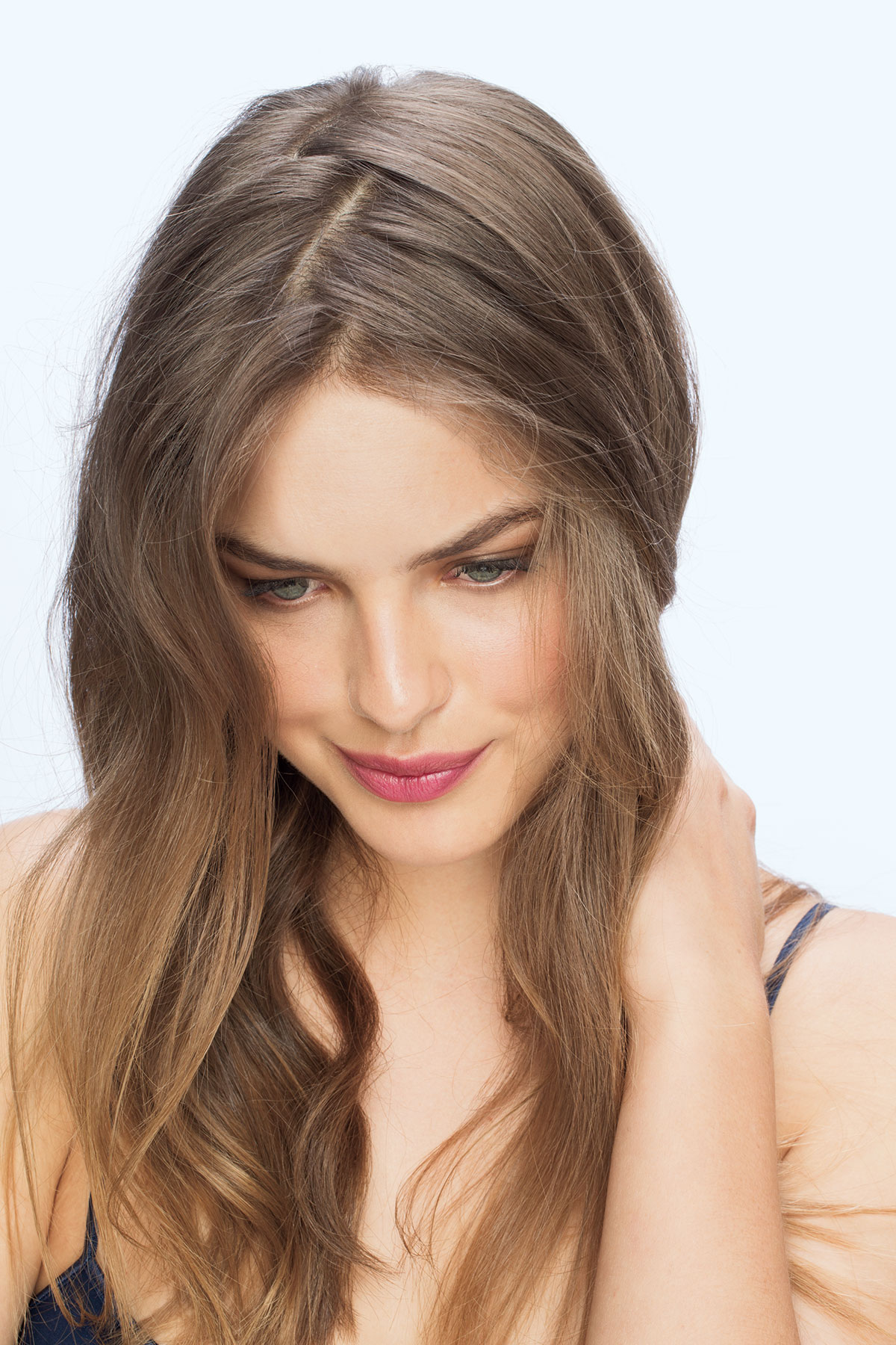 Model with zigzag part