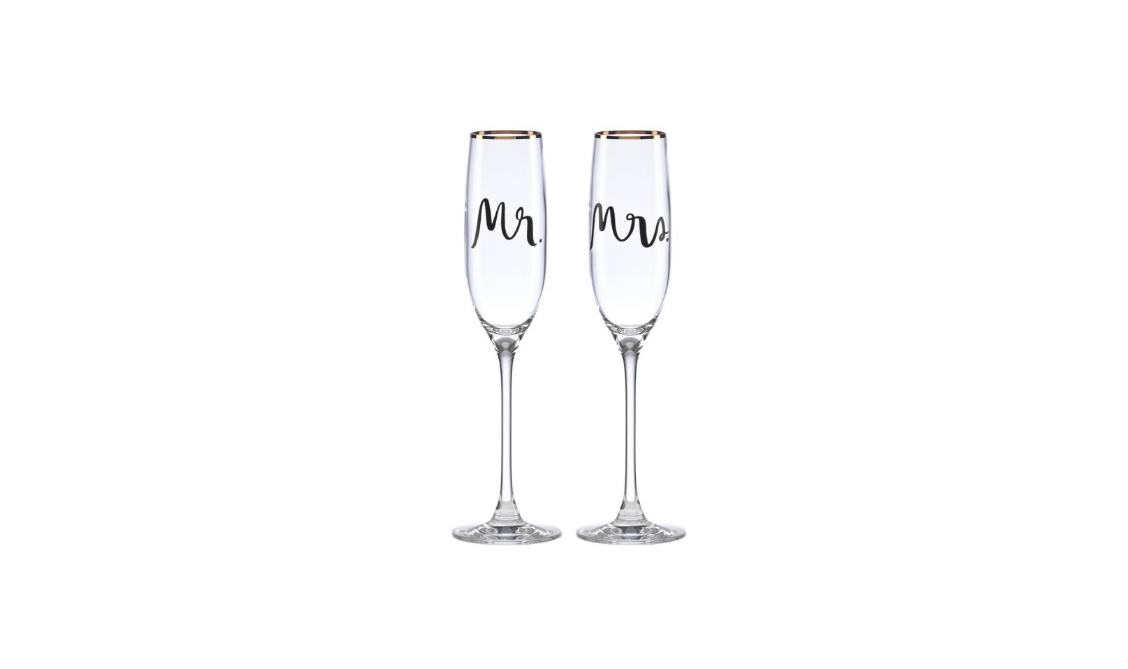 flutes glasses-newlywed-gifts