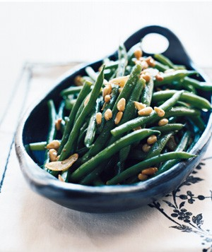 Garlicky Green Beans With Pine Nuts