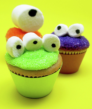 Googly-Eyed Mini Monster Cupcakes