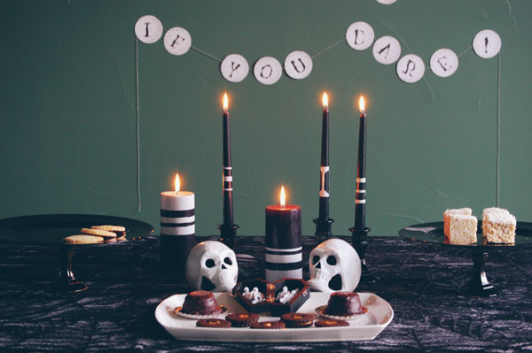 Easy Halloween Party Table