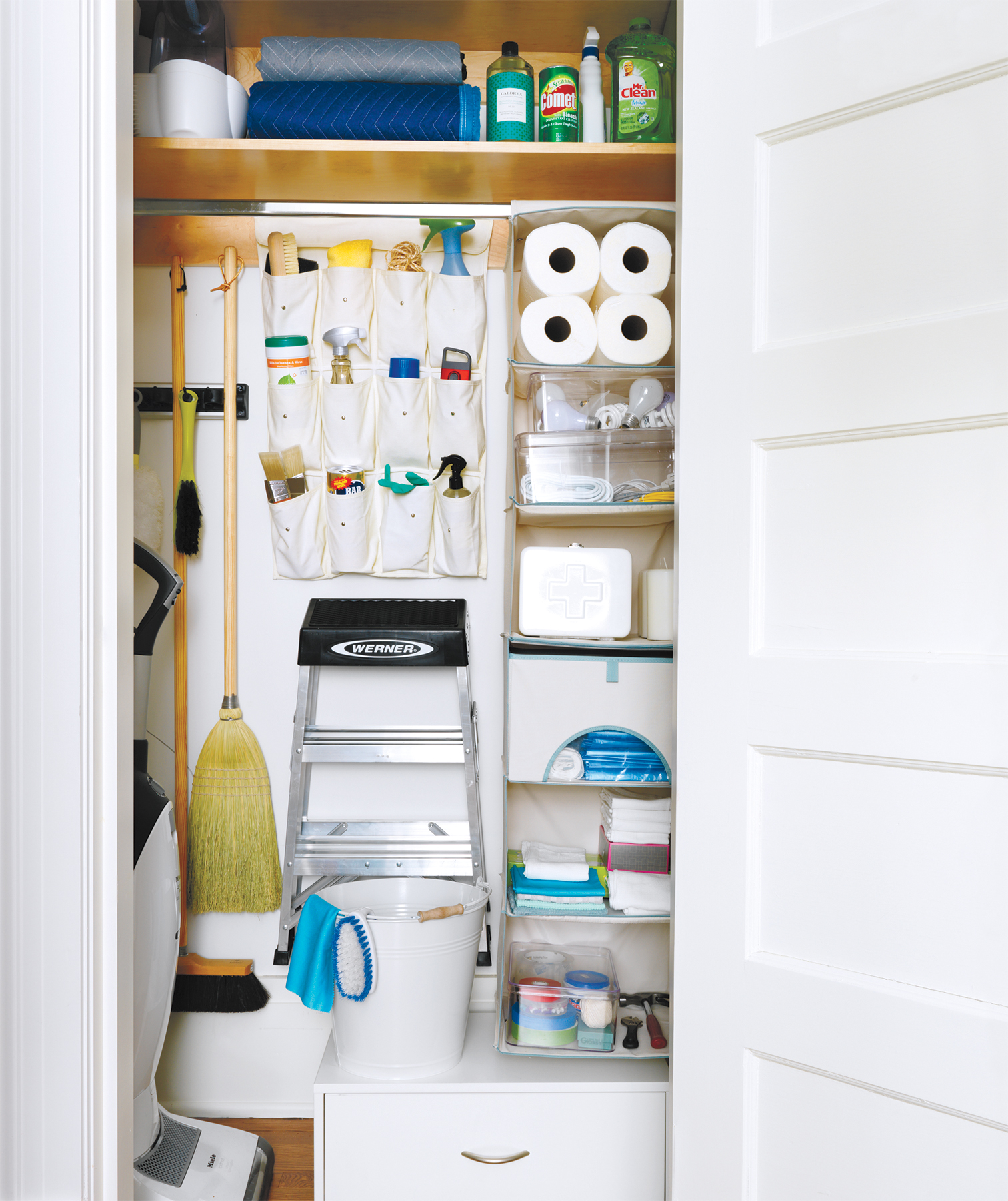 Hanging cleaning supplies