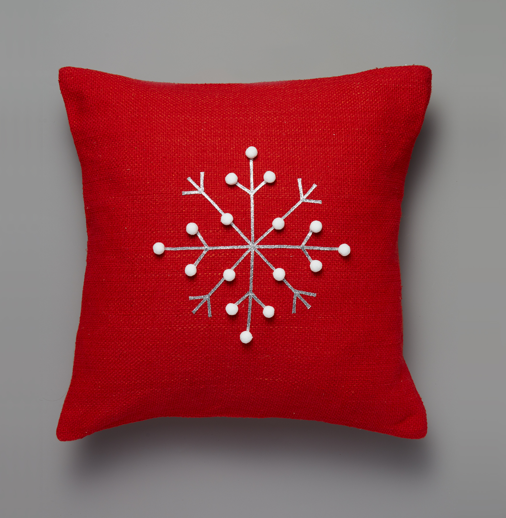 Snowflake decorations and snowflake crafts - Snowflake Pillow