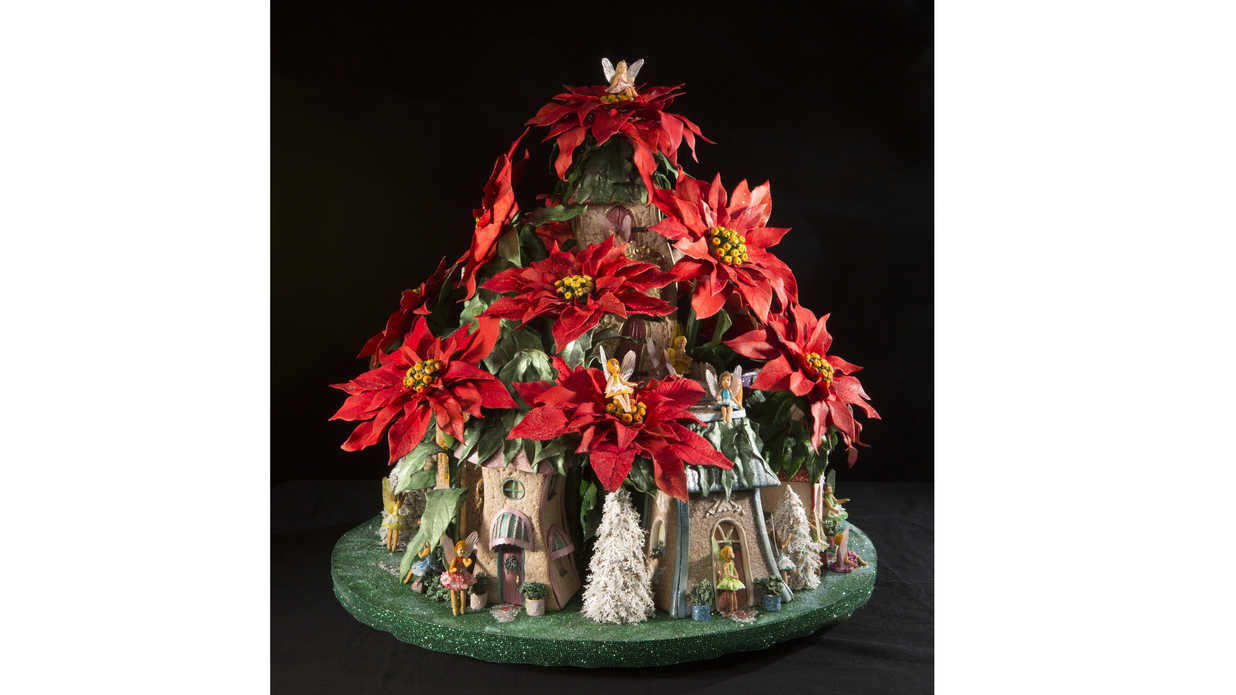 Poinsettia Gingerbread House