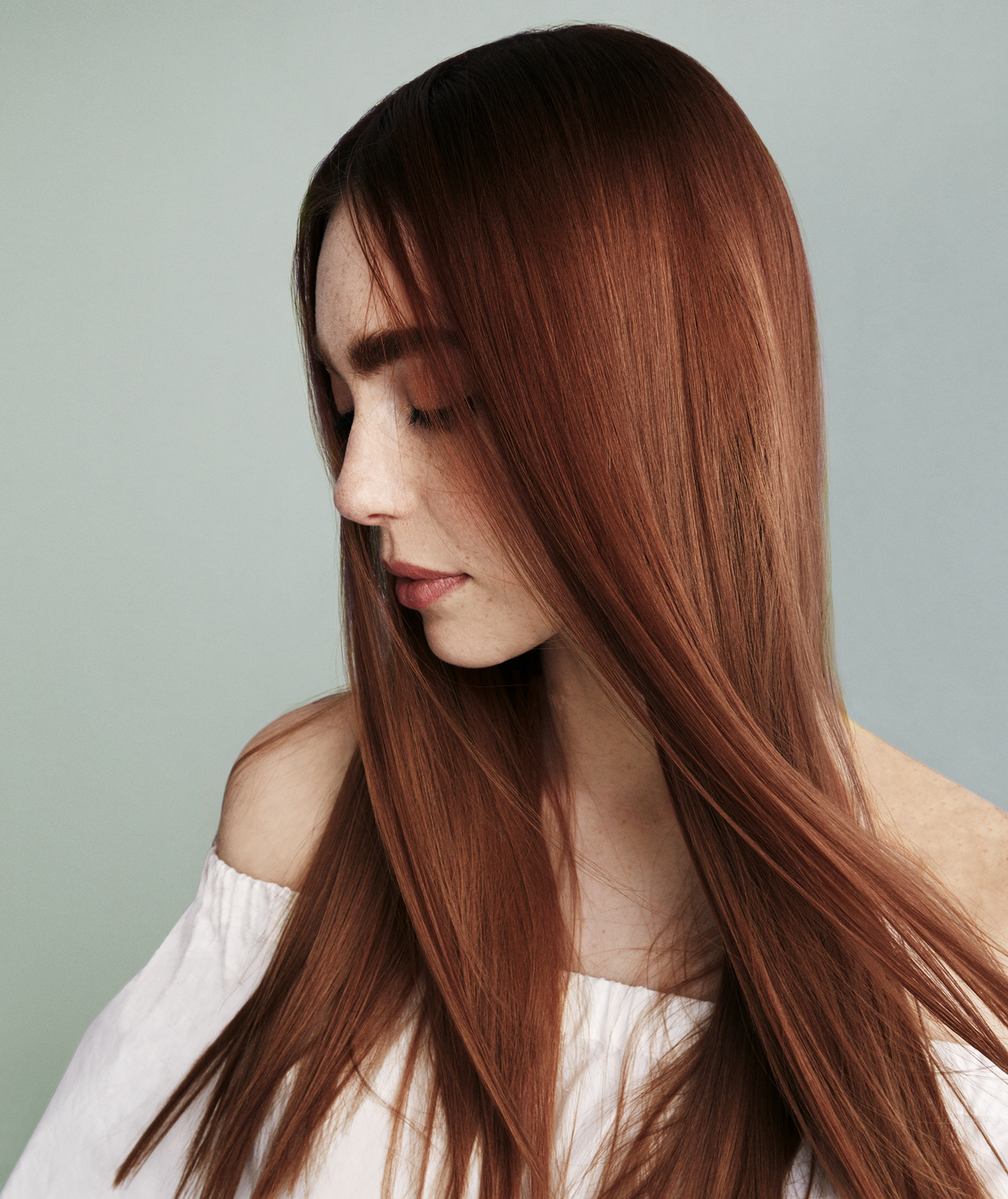 Model with rich red hair