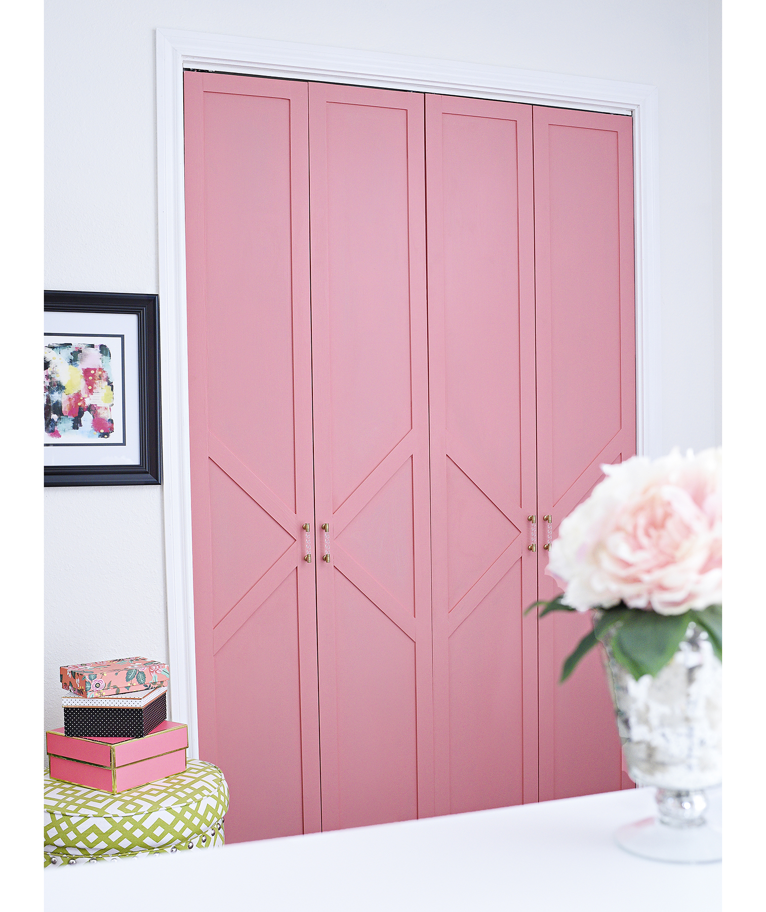Painted closet doors with a decorative trim
