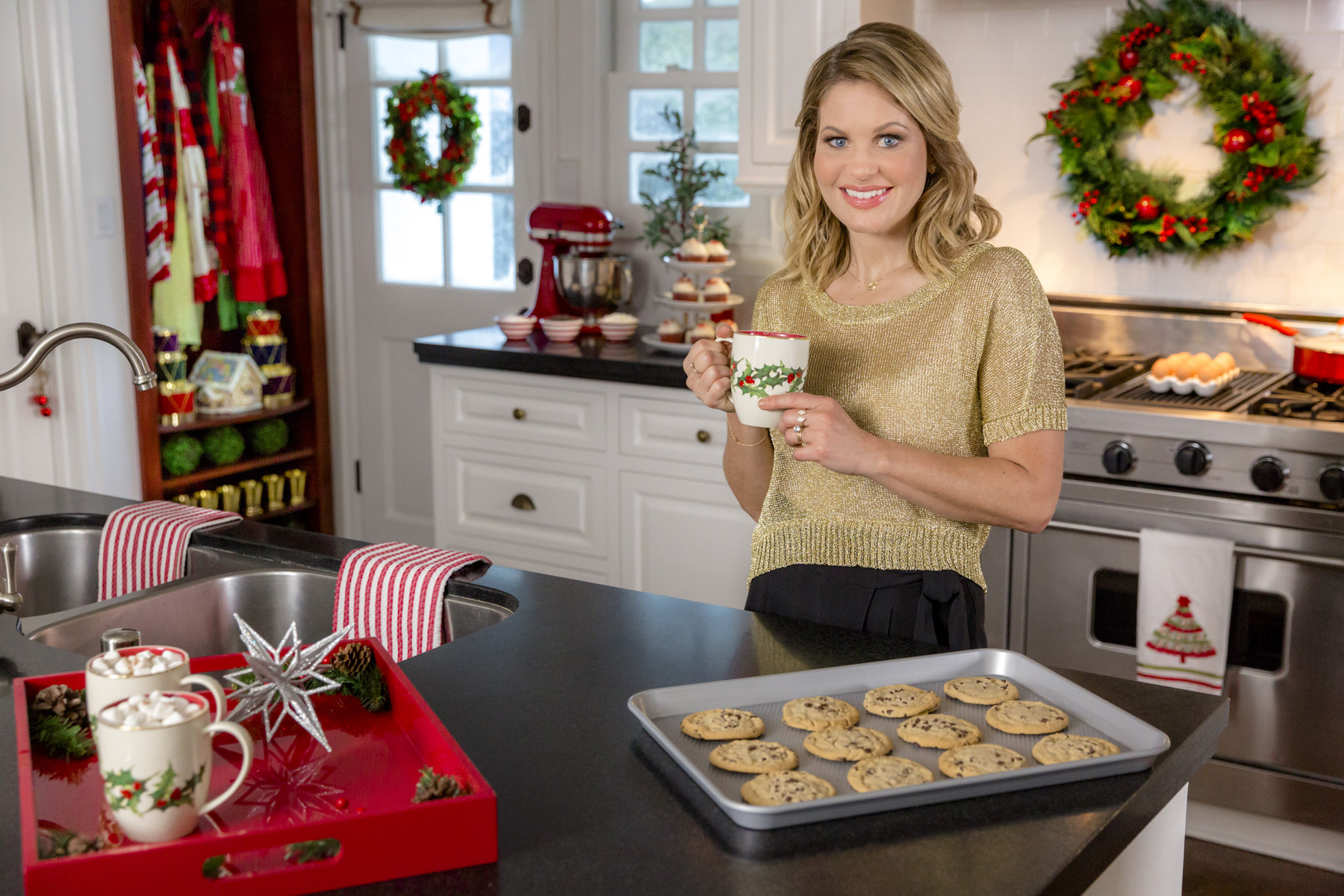 Candace Cameron Bure in Countdown to Christmas Preview Show
