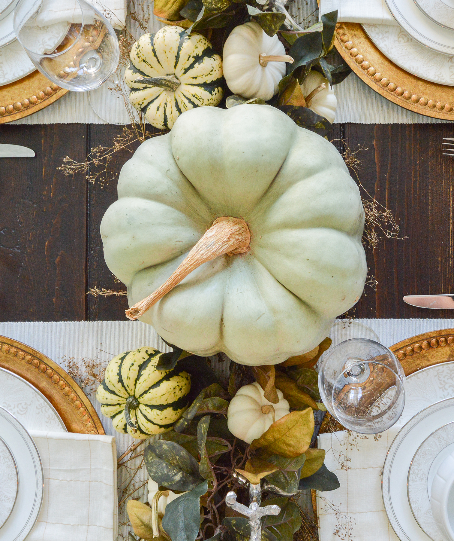 Naturally Glam Thanksgiving Table Decor