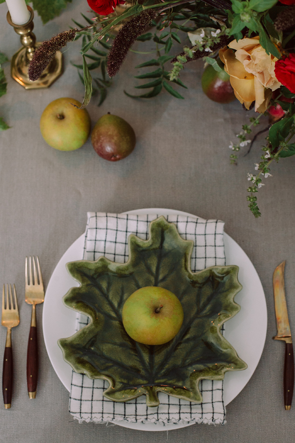 Thanksgiving place setting with leaf-shaped plate