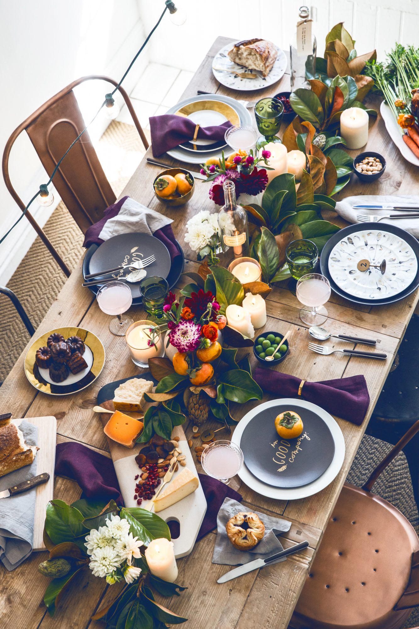 Thanksgiving table with gold plates and bowls