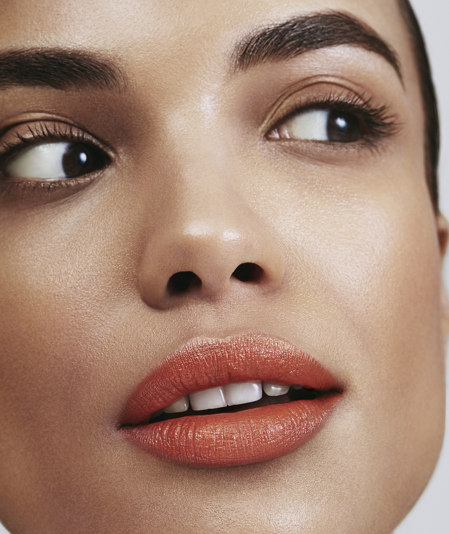 Model with tangerine lips