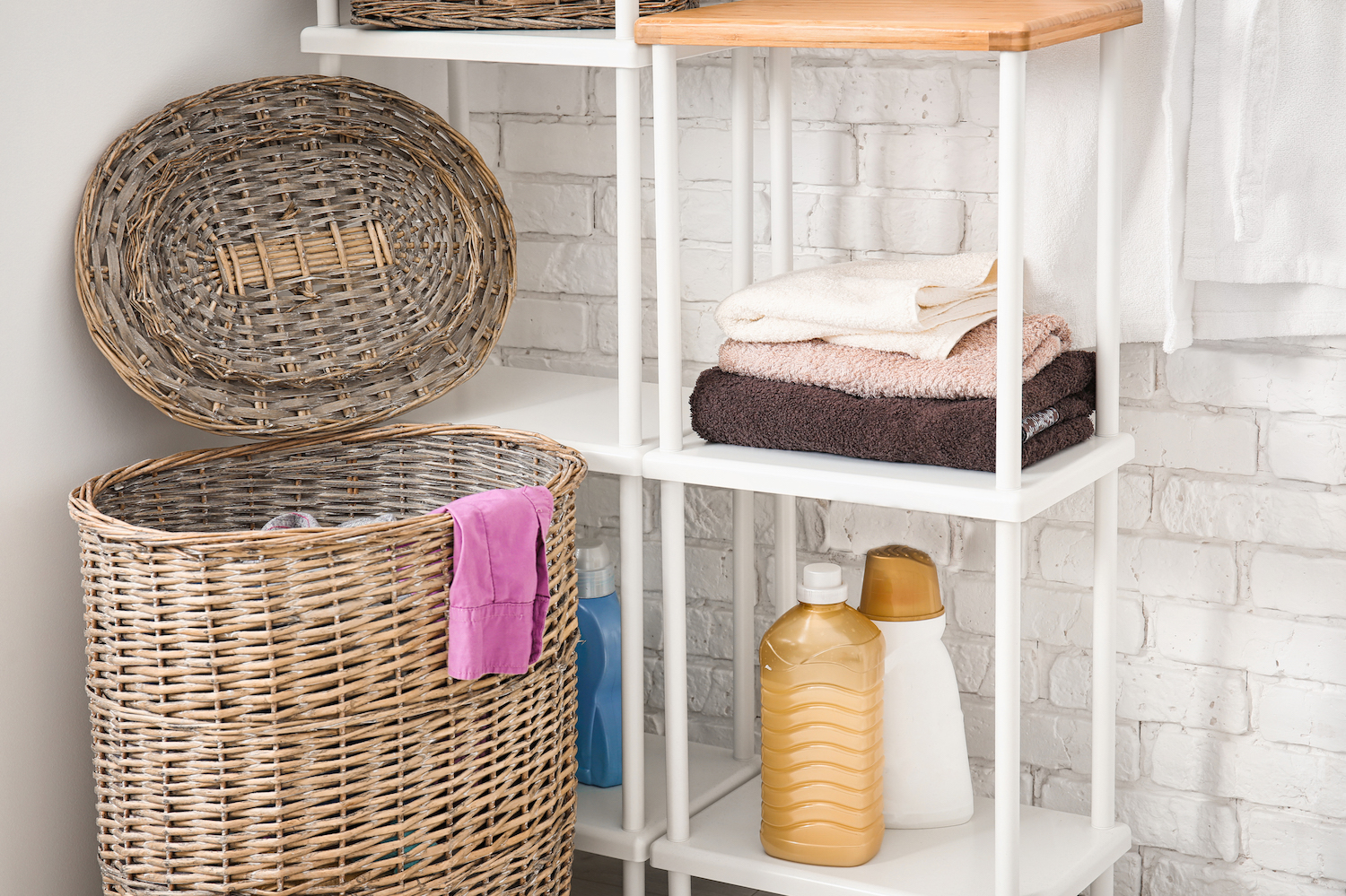bathroom cleaning hack to get organized