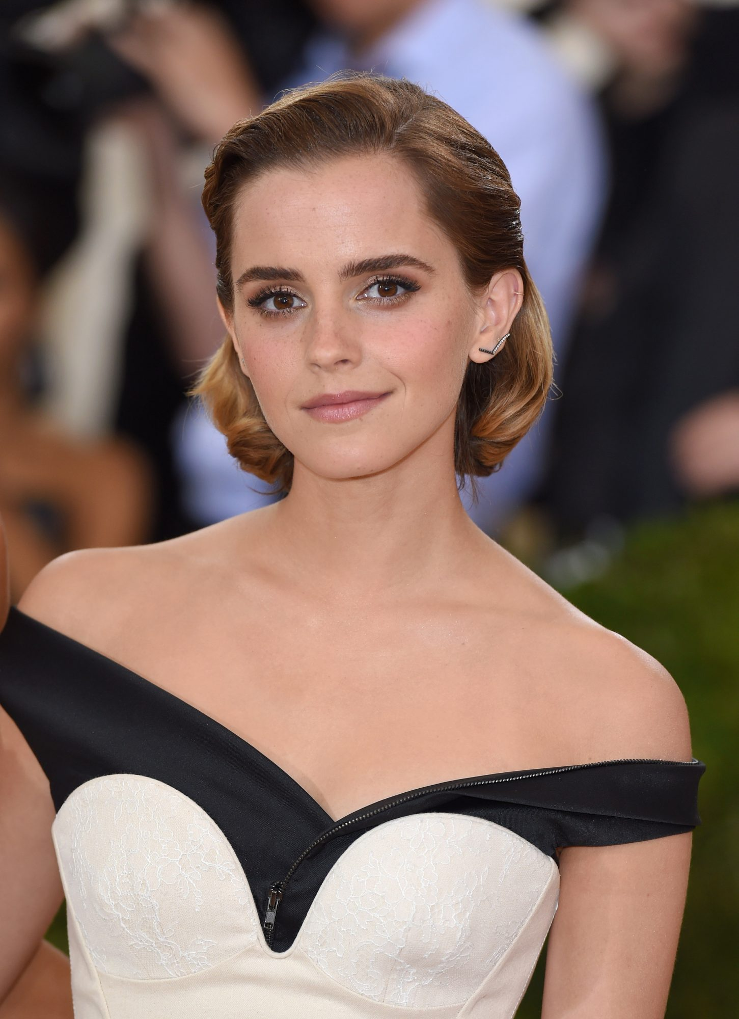 Vintage-Inspired Glam on Emma Watson