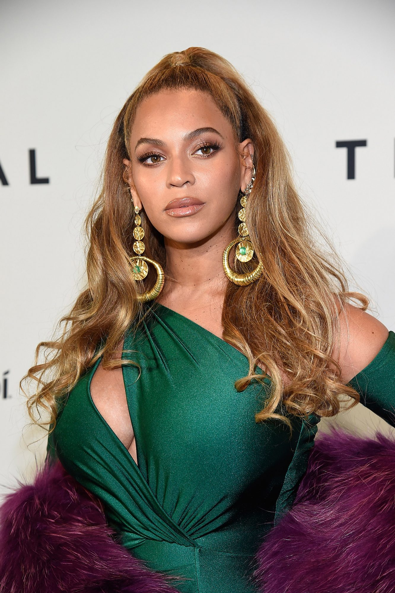 Beyonce Voluminous Curls