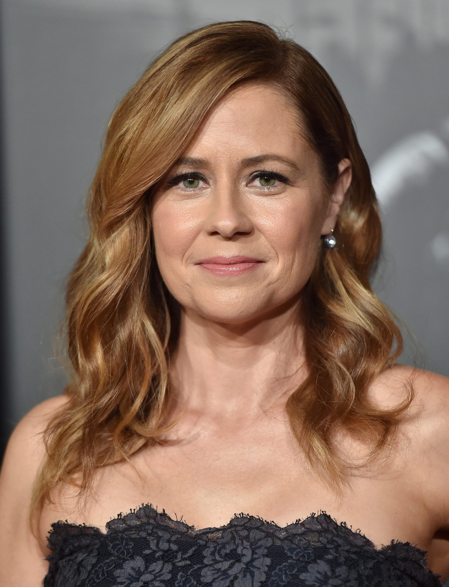Jenna Fischer attends the premiere of 'The 15:17 To Paris'