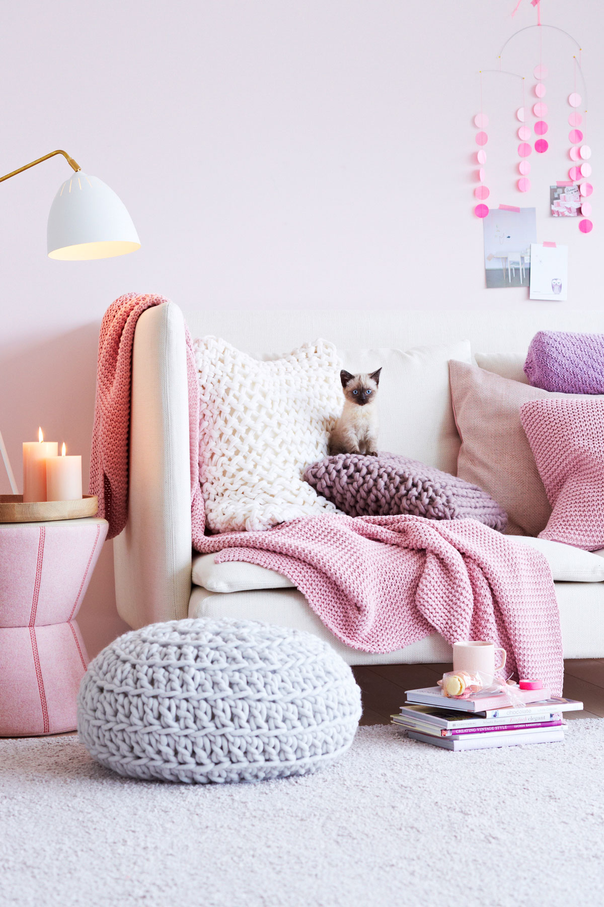 Monochromatic Color Schemes - Pink Living Room